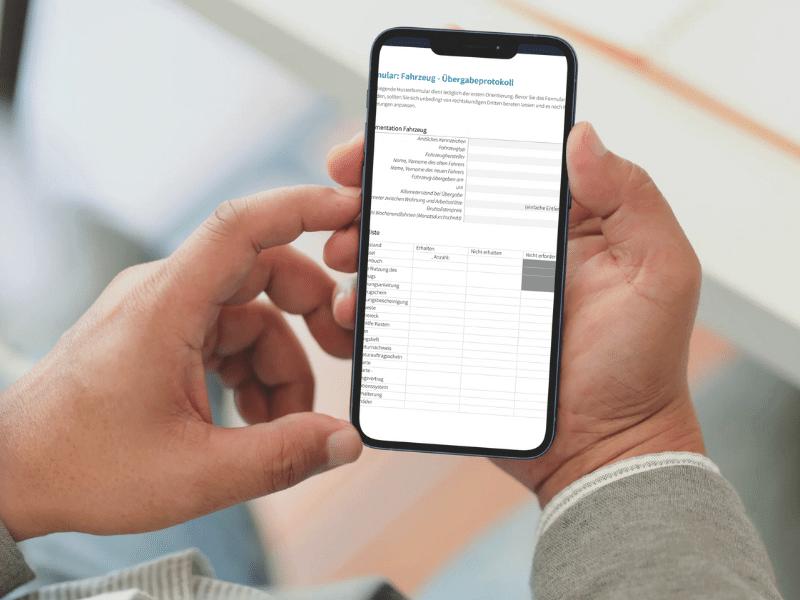 Fahrzeugübergabe Protokoll auf Smartphone geöffnet