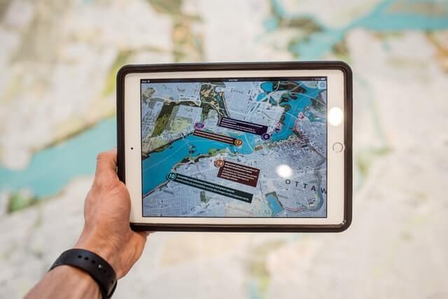 GPS Ortungssystem auf Tablet geöffnet