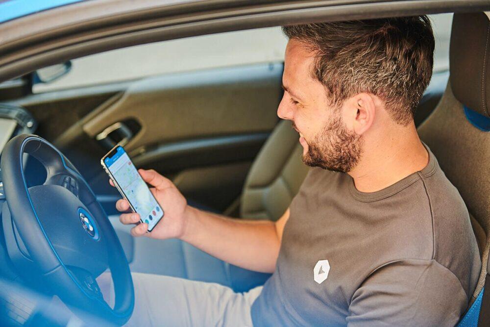 Vimcar Fahrtenbuch-App auf Smartphone