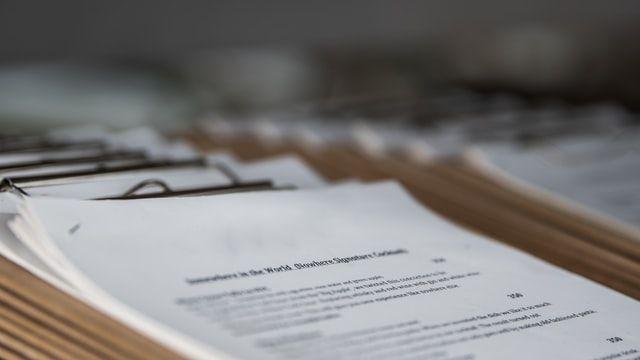 Dokumente auf einem Stapel