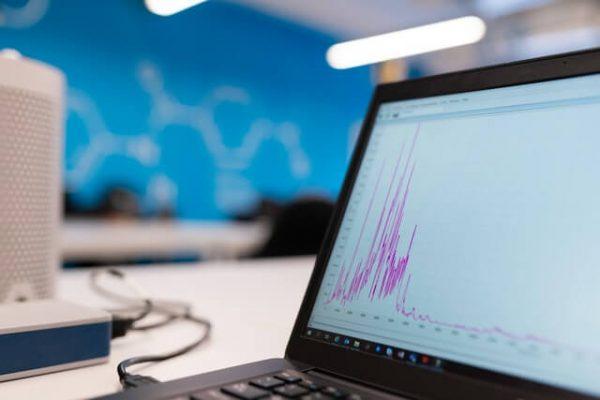 CO2 Report auf Laptop