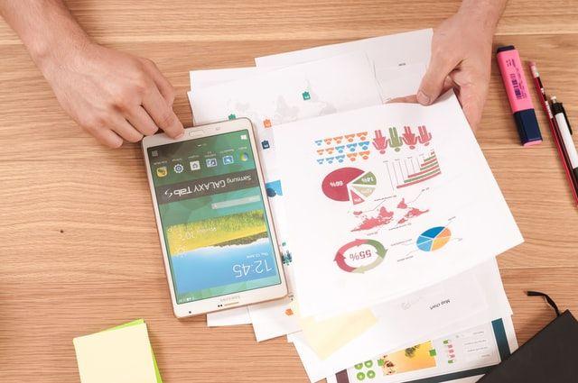 Dokumente und Tablet