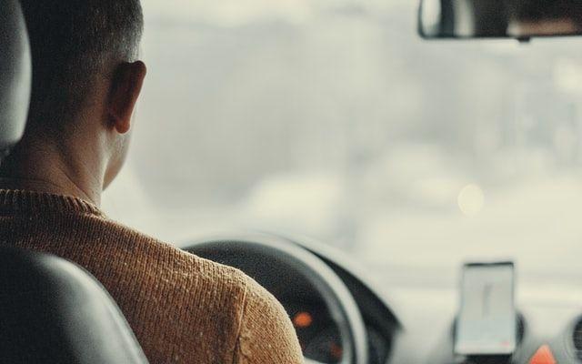 Fahrer mit Fahrerlaubnis