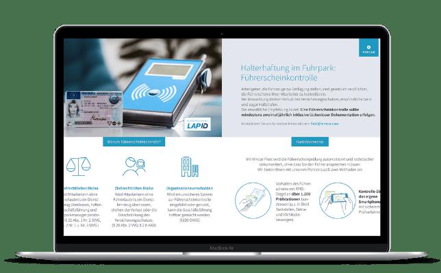Digitale Führerscheinkontrolle Infoblatt auf Laptop geöffnet