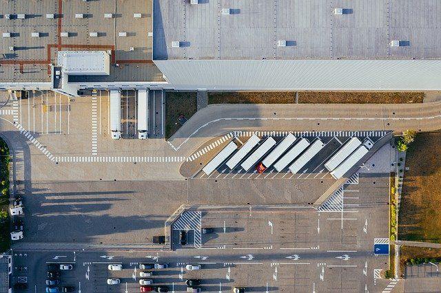 Fuhrpark aus der Vogelperspektive.