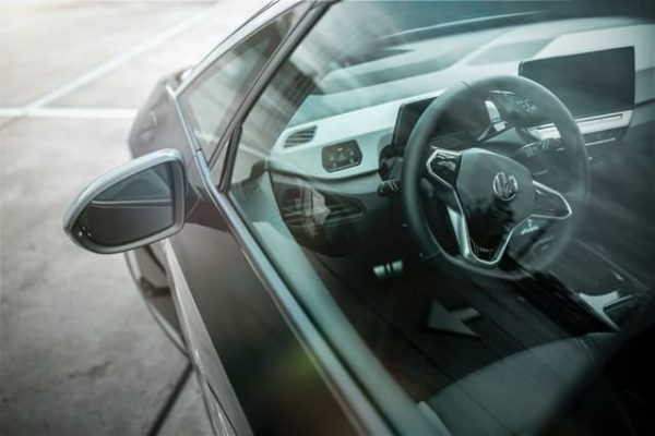 Innenansicht eines Elektroautos.