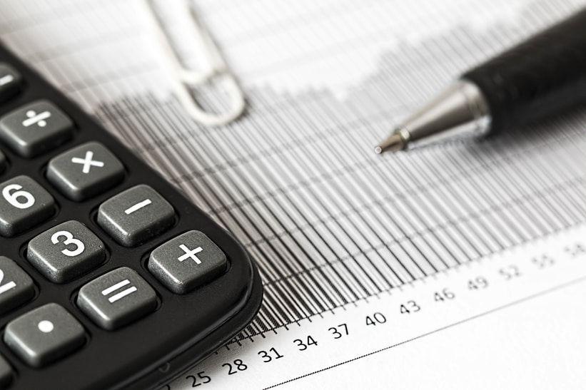 Taschenrechner für Steuern