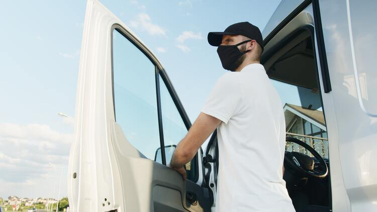 Unterweisung von Dritten, Fahrer mit Maske