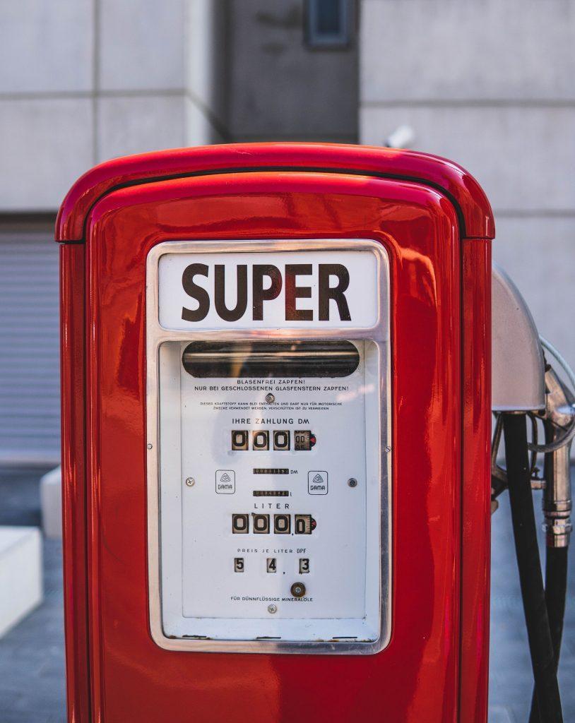 Super tanken an Tankstelle